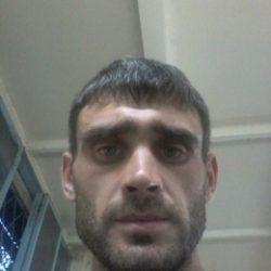 Парень из Москвы, ищу пышку для регулярного секса, возраст не важен